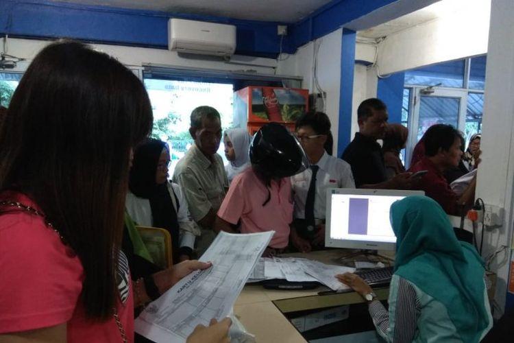 Pendaftar PPDB online hari pertama serbu warnet Tanjungpinang