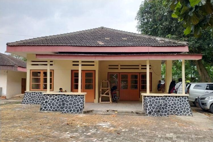 Rumah dokter (dokterswoning) yang kini menjadi cagar budaya di Kota Metro, Lampung. Peninggalan zaman Belanda di kota ini dinilai memiliki potensi menjadi laboratorium sejarah kolonisasi di Lampung.