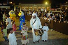 Saat Anak-anak Qatar Rayakan Tradisi Mirip
