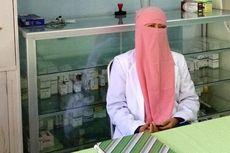 Dokter Bercadar Ini Buka Klinik Gratis untuk Bantu Warga Miskin