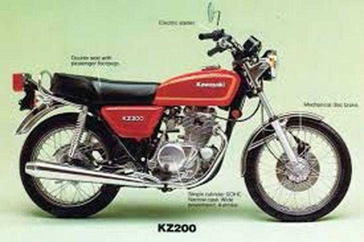 Kawasaki Binter Merzy generasi awal bentuk tangkinya lebih membulat