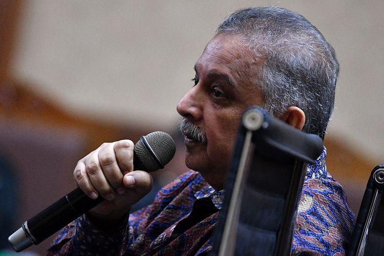 Terdakwa kasus dugaan suap proyek PLTU Riau-1 yang juga mantan Dirut PLN Sofyan Basir menjalani dengan agenda pemeriksaan terdakwa di Pengadilan Tipikor, Jakarta, Senin (23/9/2019). ANTARA FOTO/Sigid Kurniawan/ama.