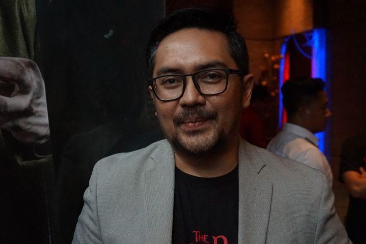 Prabu Revolusi saat ditemui dalam jumpa pers film The Sacred Riana Beginning di kawasan Epicentrum, Jakarta Selatan, Senin (17/9/2018)