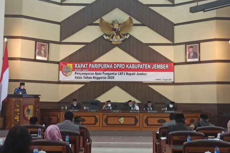 Rapat Paripurna DPRD Kabupaten Jember Penyampaian Nota Pengantar LKPJ Bupati Jember akhir tahun anggaran 2020, Rabu (14/4/2021)