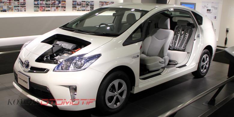 Prius merupakan mobil hibrida terlaris di dunia.