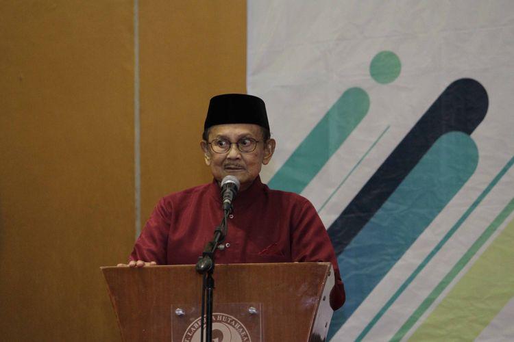 BJ Habibie, yang hadir dalam pembukana Hakteknas ke 23 di Riau, turut menyampaikan pesannya kepada peserta.