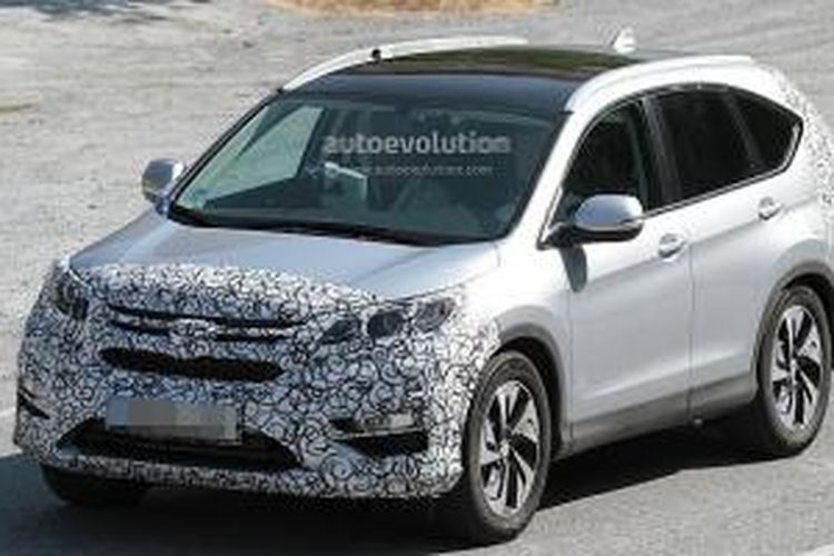 Wajah depan Honda CR-V facelift tertutup selubung