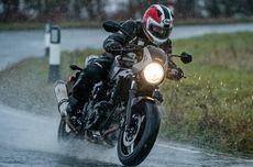 Begini Cara Benar Mengeringkan Busa Helm yang Basah Kehujanan
