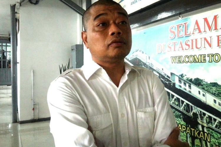 Salah satu tokoh Gerakan Suluh Kebangsaan, Antonius Benny Susetyo atau Romo Benny, saat ditemui di Stasiun Kereta Api Jombang, Rabu (20/2/2019) petang. Bersama Mahfud MD dan sejumlah tokoh, rohaniawan asal Malang ini mengikuti Jelajah Kebangsaan dari Merak hingga Banyuwangi.