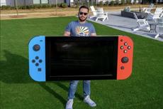 YouTuber Ini Bikin Nintendo Switch Raksasa Pakai Layar TV
