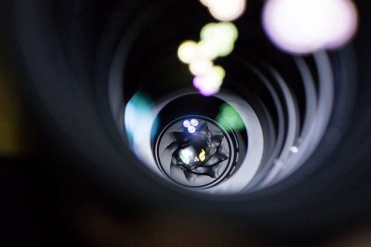 Apperture blade Canon EF 600 mm F/4.0 L IS II meleleh total karena terkena pancaran radiasi dari gerhana Matahari