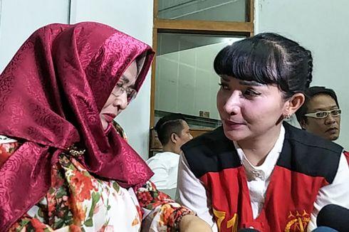Ibunya Meninggal Dunia, Roro Fitria Histeris di Rumah Tahanan