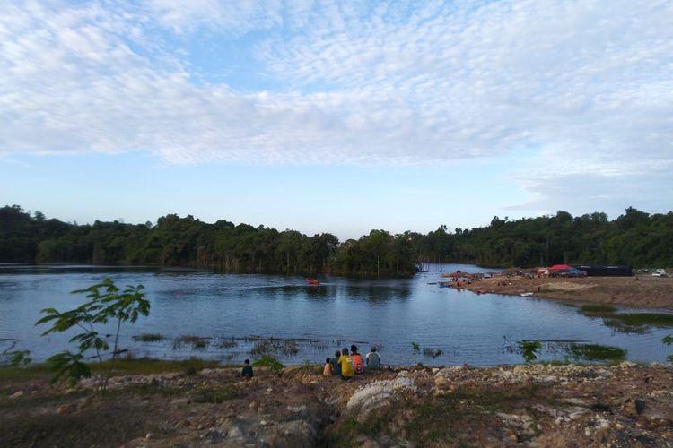 Kolam lokasi tenggelam Bayu di Lubuk Sawah, Samarinda, Kalimantan Timur. Tim SAR dan Brimod melakukan pencarian namun tak membuahkan hasil, Sabtu (22/2/2020)