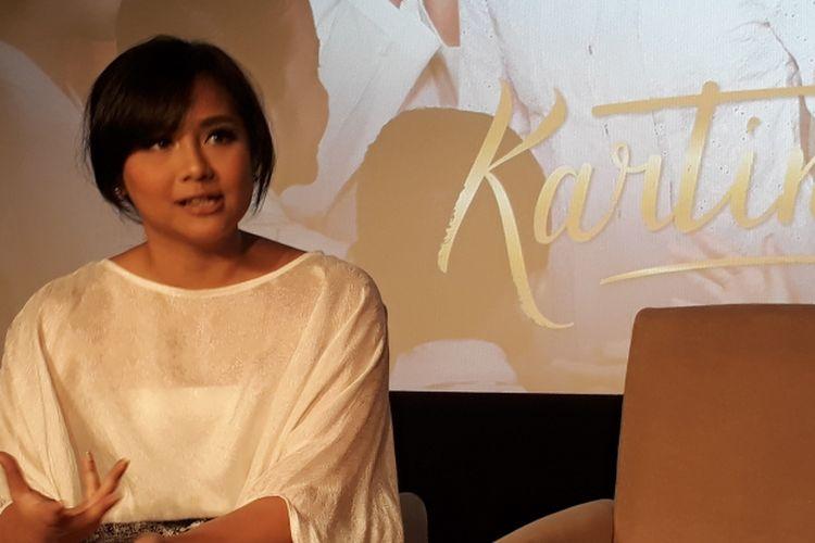 Gita Gutawa ketika dijumpai usai acara peluncuran trailer dan soundtrack film Kartini di Djakarta Theater XXI, Jakarta Pusat, Selasa (21/3/2017).