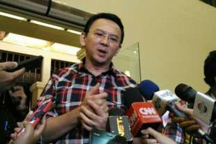 Calon gubernur DKI Jakarta Basuki Tjahaja Purnama (Ahok) sebelum acara konsolidasi