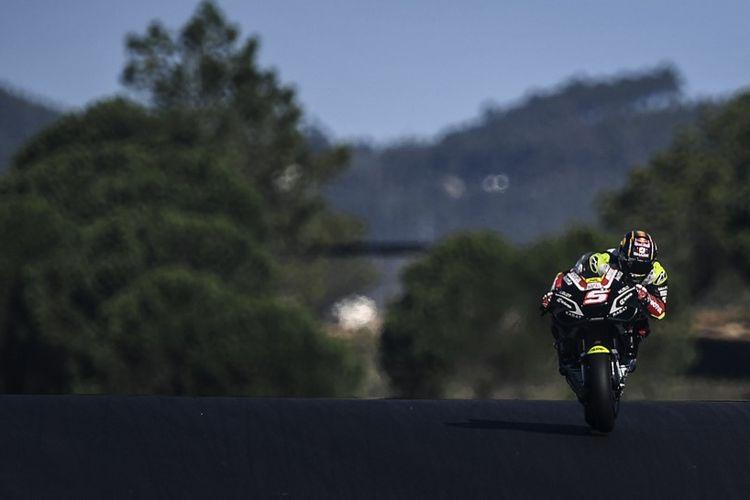 Johann Zarco saat berlaga di MotoGP Portugal. (Photo by PATRICIA DE MELO MOREIRA / AFP)
