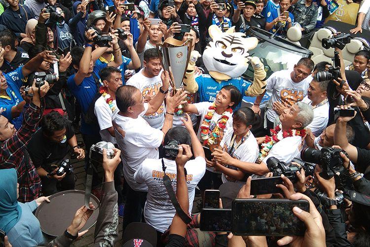 Penyambutan tim Persib Putri setelah menjuarai Liga 1 Putri 2019, di Graha Persib, Kota Bandung, Minggu (29/12/2019).