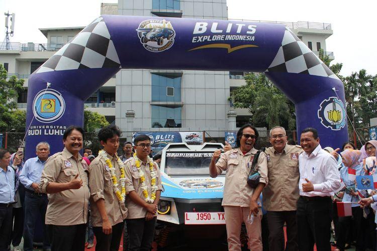 Seremoni Blits Explore Indonesia, Mobil listrik kreasi bersama Universitas Budi Luhur dan ITS, di Universitas Budi Luhur, Jakarta (12/11/2018).