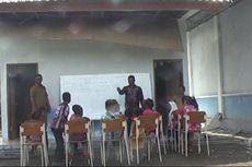 PascaGempa, Siswa di Banda Aceh Belajar di Luar Ruangan