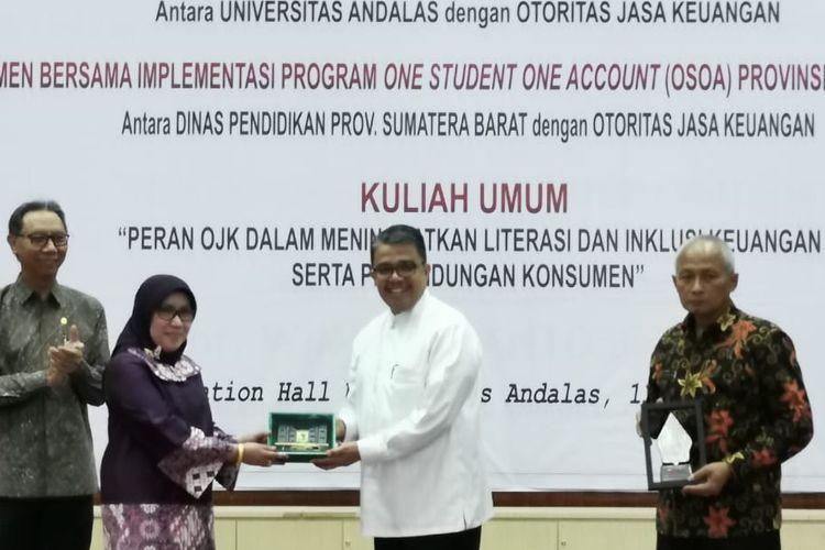 Wakil Ketua Dewan Komisioner OJK Nurhaida
