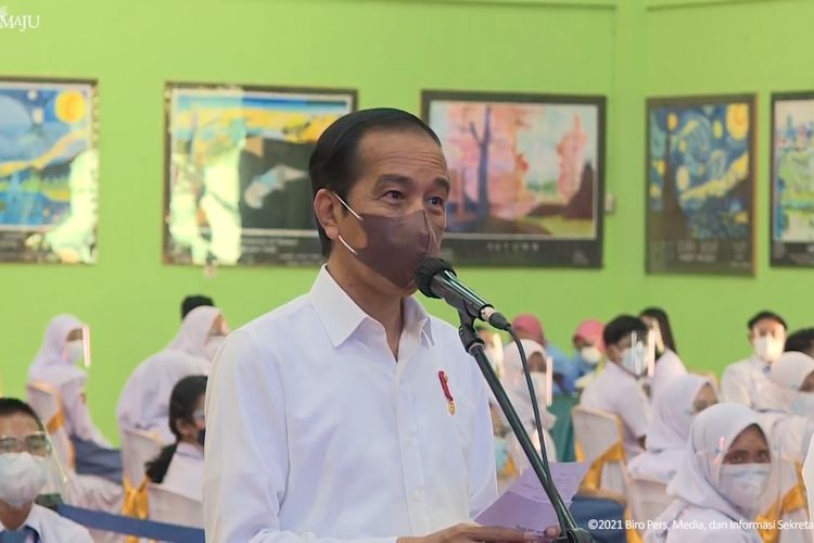 Screen grab of Indonesia's President Joko Widodo visiting a Covid-19 vaccination center in a Lampung high school on Thursday, September 2, 2021.