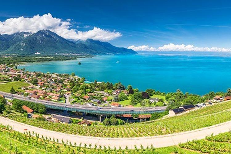 Ilustrasi Swiss - Tempat wisata bernama Montreux yang lokasinya dekat dengan Danau Jenewa, Swiss (SHUTTERSTOCK/Eva Bocek).