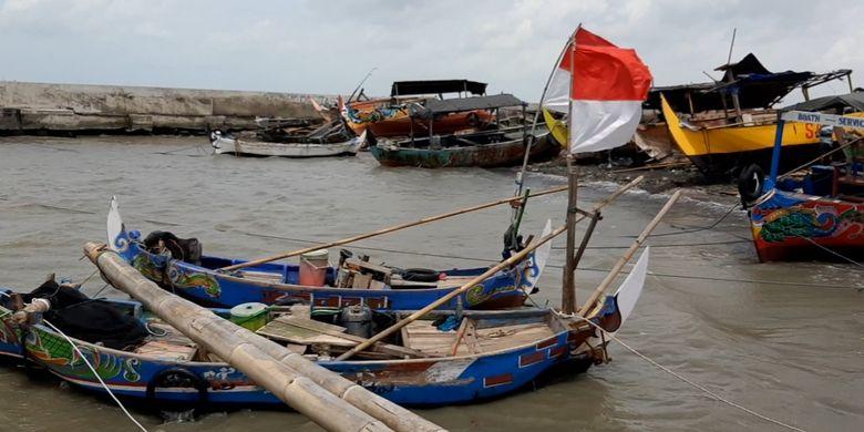 Lagi Viral, 15 Kapal Nelayan di Semarang Rusak Dihantam Gelombang Tinggi