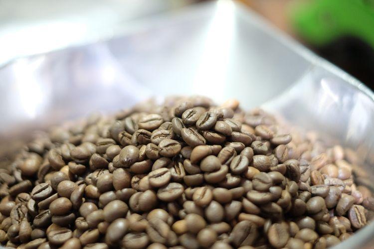 Biji Kopi di Toko Podjok sebelum diolah menjadi kopi bubuk