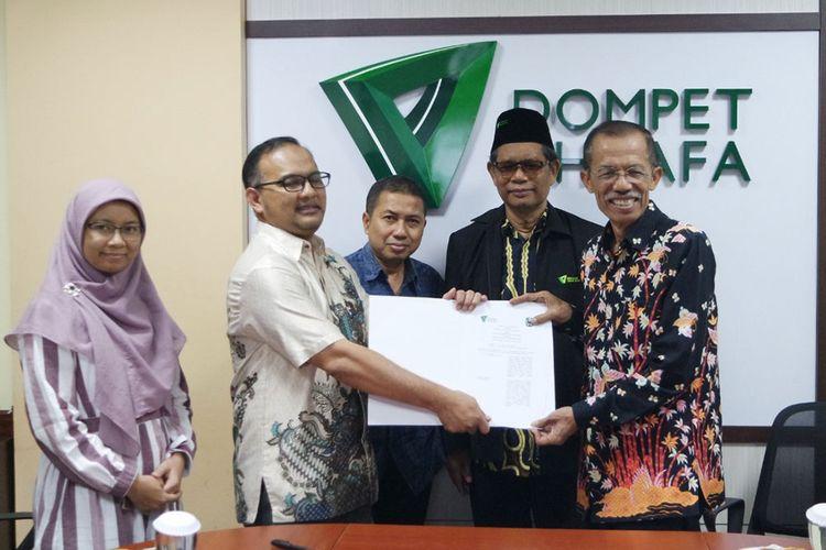 Dompet Dhuafa bersama pemerintah Kabupaten Magetan akan berupaya memberantas kemiskinan di sana melalui Edu Farm. Langkah tersebut ditandai dengan penandatanganan kerja sama antara kedua belah pihak.