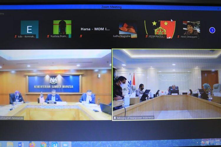 Pertemuan bilateral Indonesia-Malaysia dalam rangka pembahasan MoU on the Recruitment and Employment of Indonesian Domestic Migrant Workers in Malaysia secara virtual, Jumat (23/7/2021).