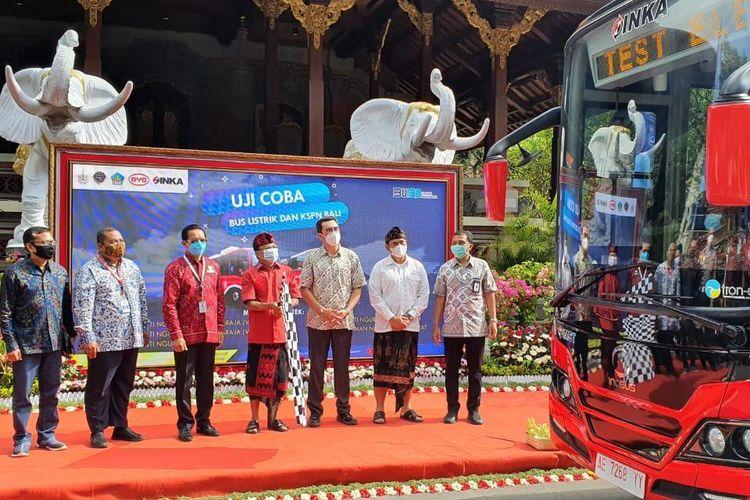 Shuttle bus listrik di Bali yang akan melayani wisatawan dari Bandara I Gusti Ngurah Rai menuju beberapa tempat wisata.