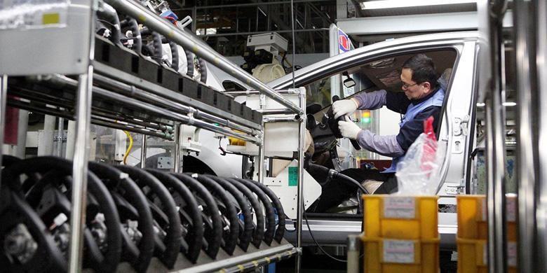 Perakitan mobil di pabrik Korea Selatan.