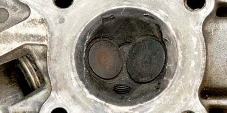 Ilustrasi ruang bakar motor