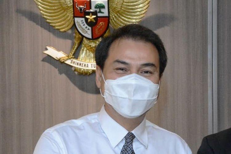 Wakil Ketua Dewan Perwakilan Rakyat (DPR) Koordinator Bidang Politik dan Keamanan (Korpolkam) M Azis Syamsuddin meminta Kementerian Kesehatan (Kemenkes) untuk mengawasi penyaluran insentif tenaga keehatan (nakes) agar berjalan secara tepat sasaran.