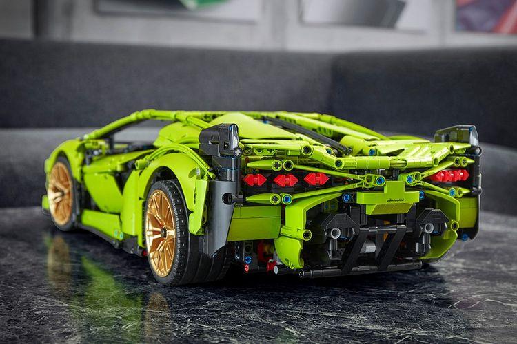 Model Lamborghini Sian berskala 1:8 dari Lego