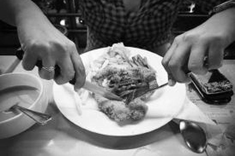 Chicken maryland merupakan salah satu menu makanan di Citrus Cafe di kompleks restoran Tebet Indraya Square, Jalan MT Haryono, Jakarta, Kamis (18/7/2013).