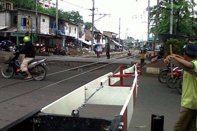 Perlintasan kereta api.