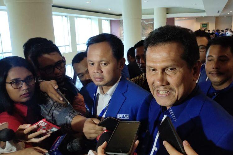 Wakil Ketua Umum Partai Amanat Nasional (PAN) Bima Arya Sugiarto bersama Waketum PAN Asman Abnur di Hotel Millennium, Tanah Abang, Jakarta, Sabtu (7/12/2019).