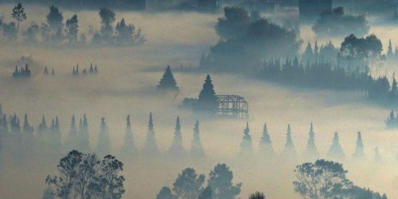 Keberadaan undak-undakan kuno di dua lokasi terpisah tersebut diduga kuat sebagai jalur menuju kompleks candi di dataran tinggi Dieng untuk kegiataan religi, kata otoritas terkait.