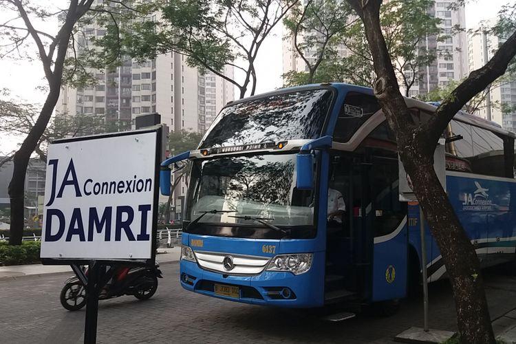 Bus Damri JAC kini layani warga dari Epicentrum di Jakarta Selatan menuju Bandara Soekarno Hatta dan sebaliknya. Rute itu secara resmi diluncurkankan, Selasa (24/7/2018)