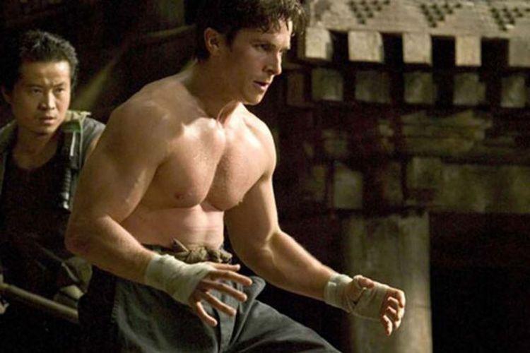 Christian Bale dalam Batman Begins