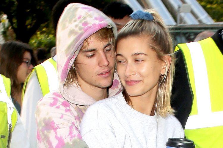Justin Bieber dan Hailey Baldwin terlihat di London Eye, Inggris, pada 18 September 2018.