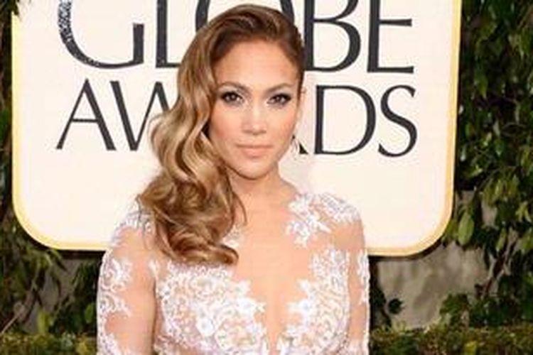 Jennifer Lopez atau J.Lo datang ke perhelatan Golden Globe Awards 2013 di The Beverly Hilton Hotel, Beverly Hills (California, AS), 13 Januari 2013 waktu setempat.