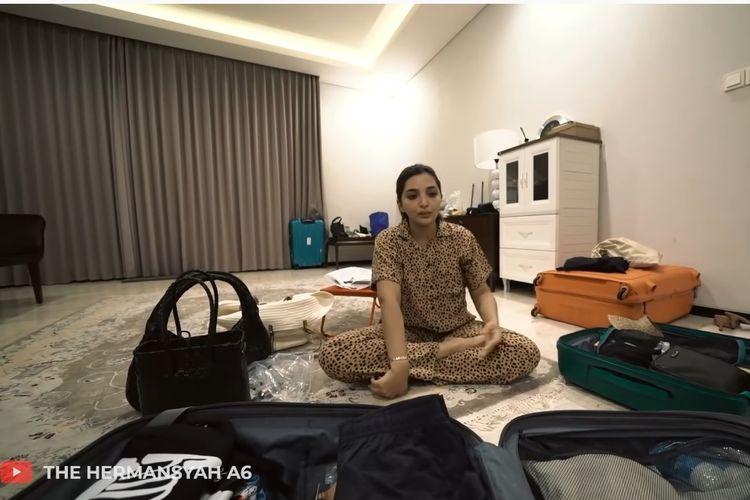 Penyanyi Ashanty menyiapkan kepulangan kembali ke Jakarta setelah beberapa bulan tinggal di Bali.