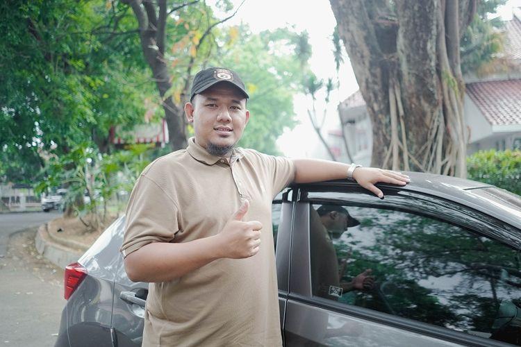 Berkenalan dengan Fajar Shiddiq, Mitra GrabCar Tuli Pertama di Bandung