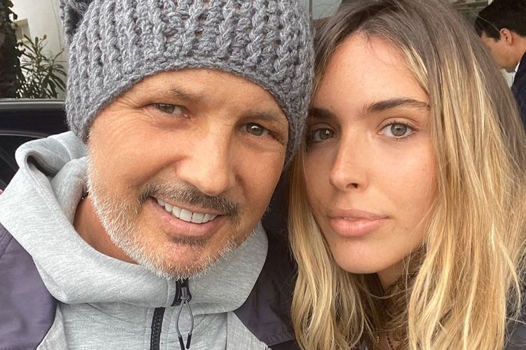 Viktorija Mihajlovic berpose dengan sang ayah, Sinisa.