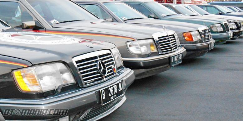 Ilustrasi parkir mobil di terik matahari