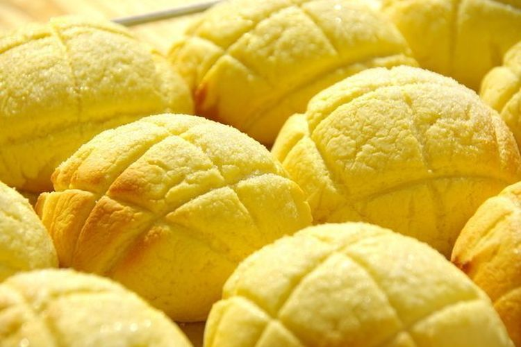 Melon pan atau roti melon terkenal dari Jepang.