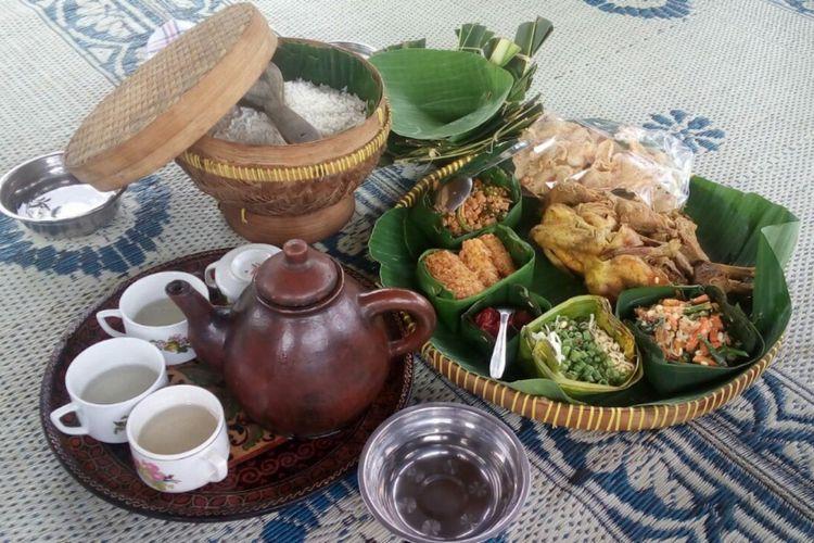 Menu Brekat Dalem yang disajikan warga Dusun Plumbungan, Putat, Patuk, Gunungkidul, (dokumentasi Kampung Emas Plumbungan)