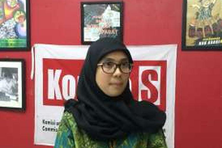 Peneliti Indonesian Center for Environmental Law, Isna Fatimah dalam diskusi media di Sekretariat Kontras, Jakarta, Senin (3/10/2016).